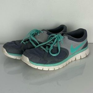 Nike athletic running shoes sneakers 512108-002
